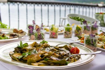 nice food: Свежие кабачки блюдо в отеле шведский стол