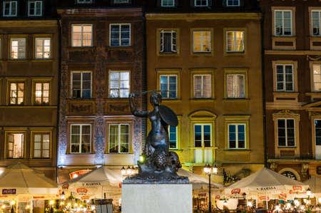 Syrena, Syrena to symbol Warszawy, stolicy Polski bliska na zabytki Zdjęcie Seryjne - 16372506