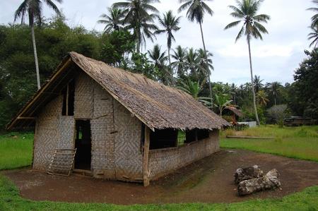 Nuova Guinea: Chiesa del villaggio di nell'entroterra di Papua Nuova Guinea Archivio Fotografico