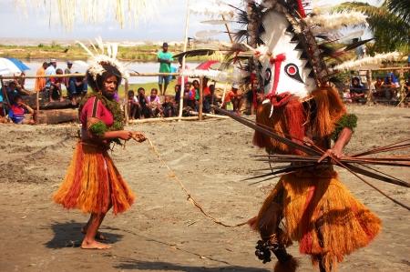 Nuova Guinea: Tradizionale festa mascherina di ballo, Provincia del Golfo, Papua Nuova Guinea