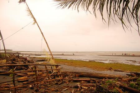 new guinea: Ocean costa vicino villaggio, nell'entroterra di Papua Nuova Guinea Archivio Fotografico