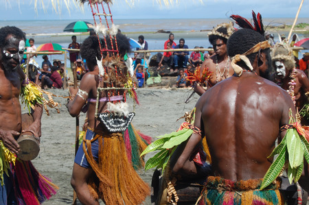 papua new guinea: Traditional tribal dance at mask festival.7th Gulf Mask Festival, Toare Village, Gulf Province, Papua New Guinea on June 19, 2011