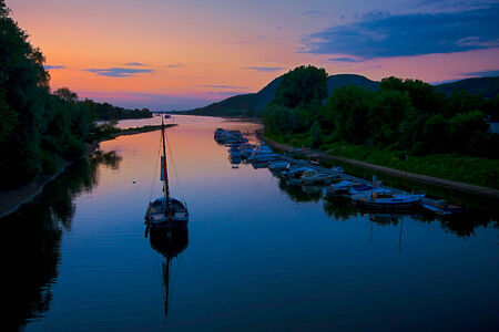 rhein: Image of boats on the River Rhein in Germany taken at sunset