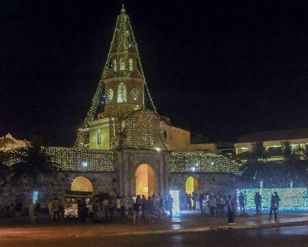 dat: CARTAGENA, COLOMBIA, dicembre - 2014 - Sunny dat all'ingresso del centro storico di Cartagena, la pi� famosa coloniale localit� balneare di Colombia, Sud America.