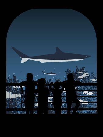 fascinação: Silhueta vista traseira de um grupo de crianças observando a vida marinha no aquário Banco de Imagens