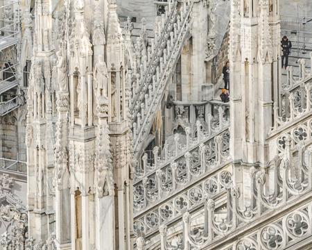 Architektonische Außendetailansicht der berühmten Duomo-Kathedrale der Stadt Mailand, Italien Editorial