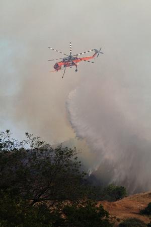 erikson: Skycrane Helicopter Drops Water