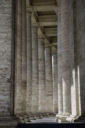 columnas romanas: Columnas romanas, hermoso paseo