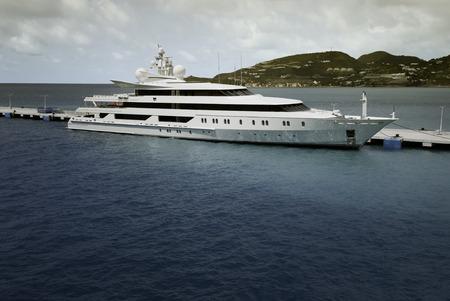 super yacht: Super Yacht ormeggiati a Saint Maarten Archivio Fotografico