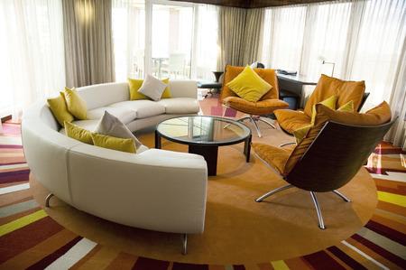 uncluttered: Modern living room