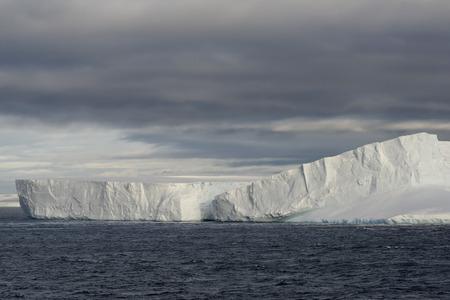 Huge Tabular Iceberg Floating In Bransfield Strait Near The Northern Tip Of The Antarctic Peninsula, Antarctica Reklamní fotografie