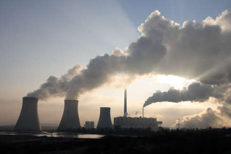 fossil fuels: Coal power plant