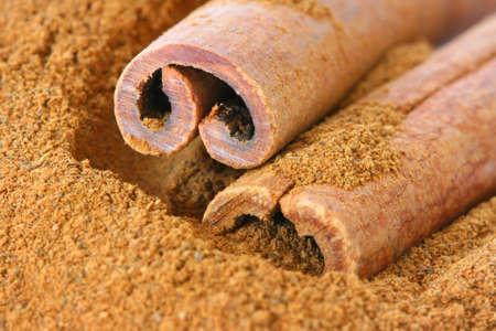 noone: Ground cinnamon and whole sticks