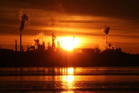Sunrise over Refinery Banco de Imagens