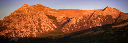 Panoramic mountain sunset in Sibillini National Park Stockfoto