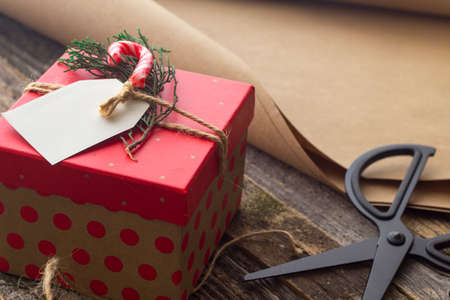 Simple DIY Wrapping Christmas gifts vintage
