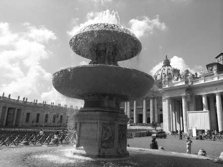st  peter s square: Fountain in St  Peter s Square