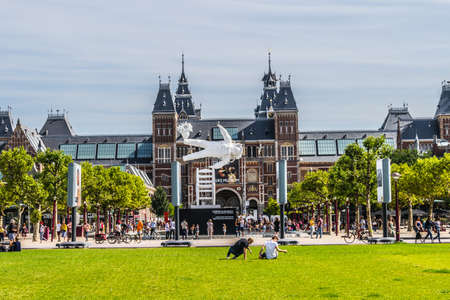 Amsterdam, Netherlands - July 18, 2019: The Rijksmuseum museum located at the Museum Square 新聞圖片