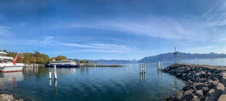 Panoramic view of Lake Geneva in Lausanne