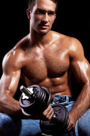 nipple man: Fitness - powerful muscular man lifting weights