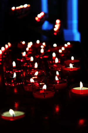 Tealights in the church Standard-Bild