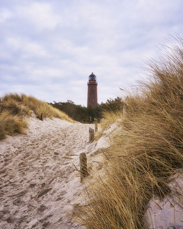 Way to the lighthouse, Darsser place on the Baltic Sea. Germany 免版税图像