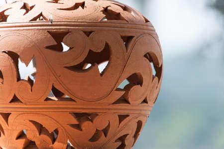 ollas de barro: vase brown pattern pot ceramic closeup.