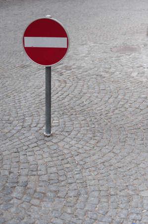 sign prohibit street traffic red.