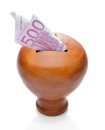 rabbet: Five hundred euros saved in a classic moneybox