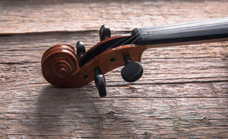 Violin on the table. Classical orchestral instrument. Standard-Bild