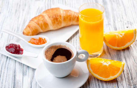 Continental Breakfast Standard-Bild - 17055389