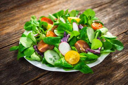 alimentos y bebidas: Ensalada