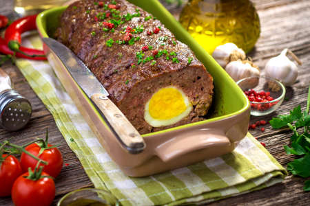 pastel de carne: Meatloaf with boiled eggs