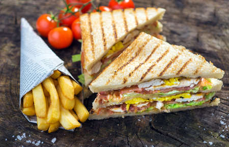 sandwich de pollo: Classic Club Sandwich