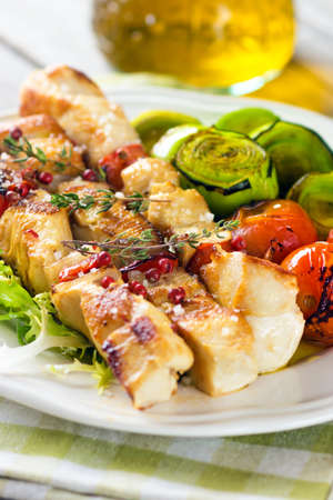 piri piri: Grilled chicken skewers