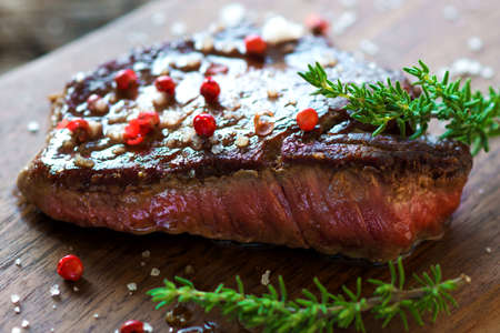 juicy: Juicy Fillet Steak with Fresh Herbs