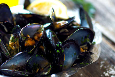 mussels: Mussels with buzara sauce