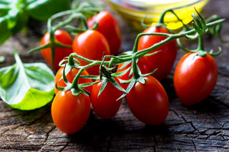 cooking oil: Fresh cherry tomatoes