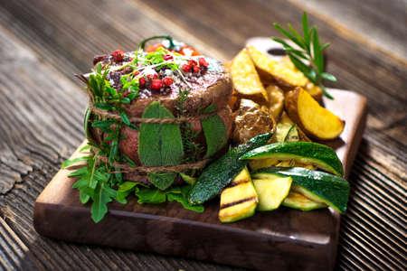 carne asada: filete de carne a la parrilla con hierbas