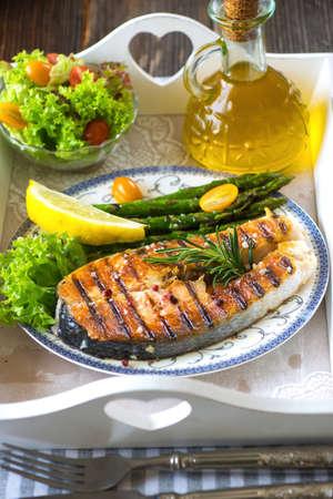 salmon steak: Grilled Salmon steak  with asparagus