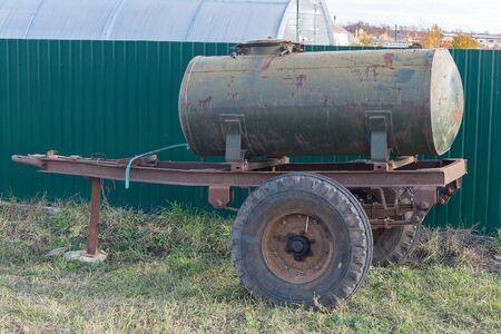 mobile water barrel on wheels, liquid tank