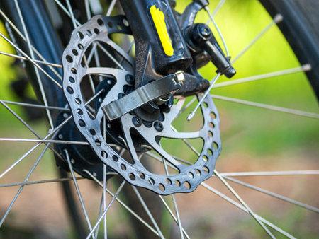 mountain bike disc brake, MTB bike brake system, brake cable, discs and calipers