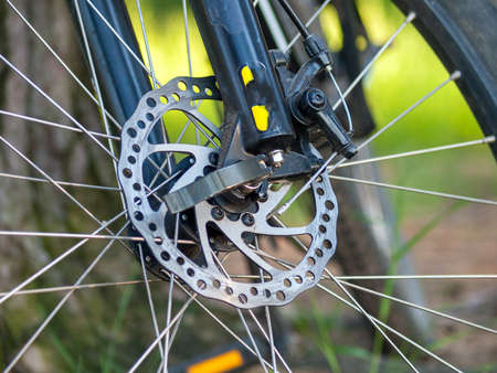 mountain bike disc brake, MTB bike brake system, brake cable, discs and calipers 免版税图像
