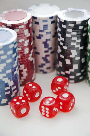 jetons poker: Les jetons de poker avec des d�s