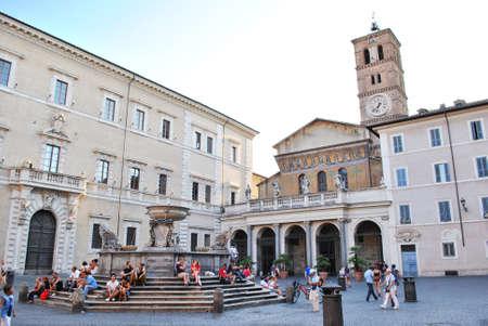 turism: Santa Maria in Trastevere in Rome