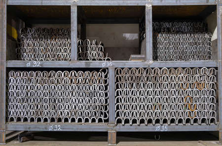 Baths for welding reinforcement. Couplings for welding reinforcement.