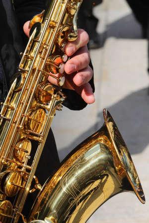 sax: Sax street playing