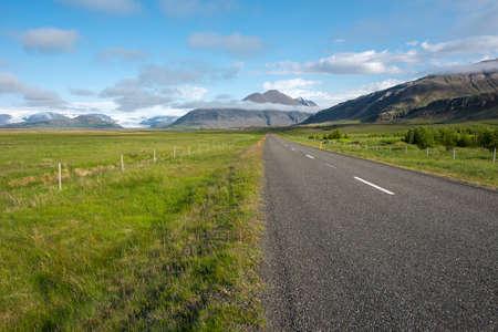 island�s: Icelandic countryside