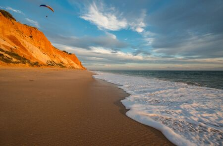 praia: Praia da Falesia, Algarve, Portugal