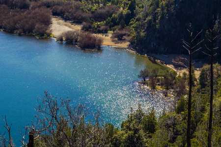Panoramic view of the beautiful park and lake in Lago Puelo - Argentina in the autumn Imagens - 102225860